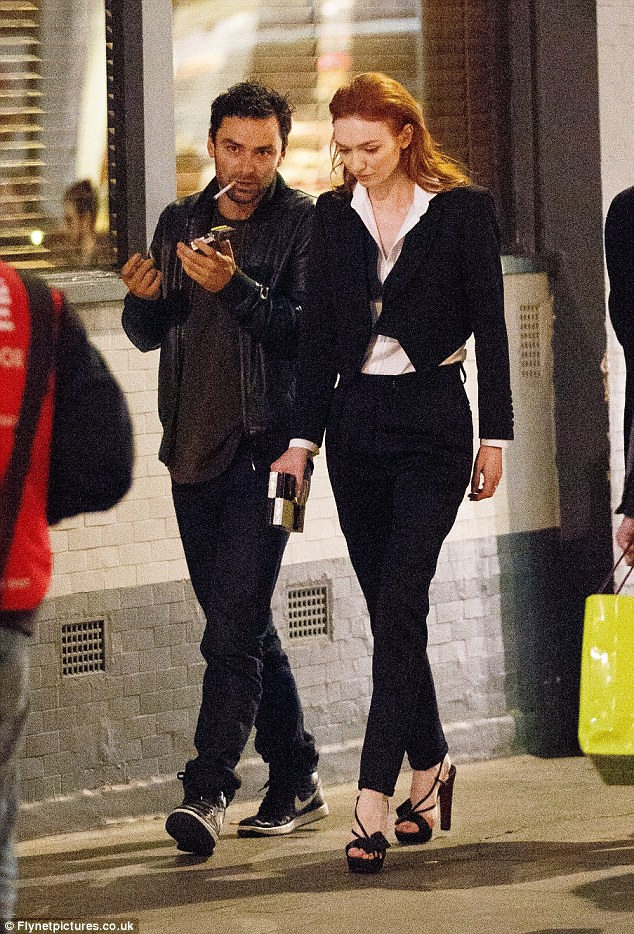 aidan turner and eleanor tomlinson dating Welcome to glamour uk we talk love and dating with aidan turner and the poldark boys played by aidan turner and eleanor tomlinson.