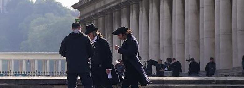 Aidan Turner Filming Poldark in Greenwich